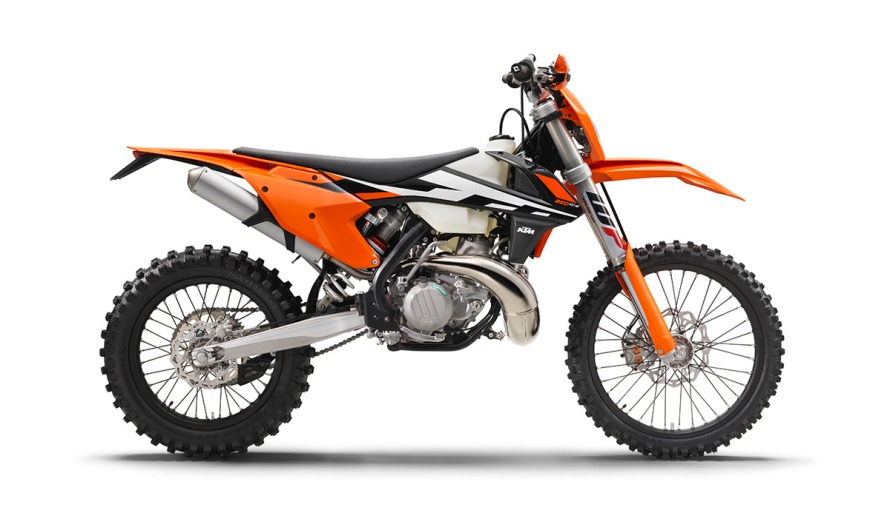 143888_KTM-250-XC-W-USA-90degree-right-MY-2017-studioweb